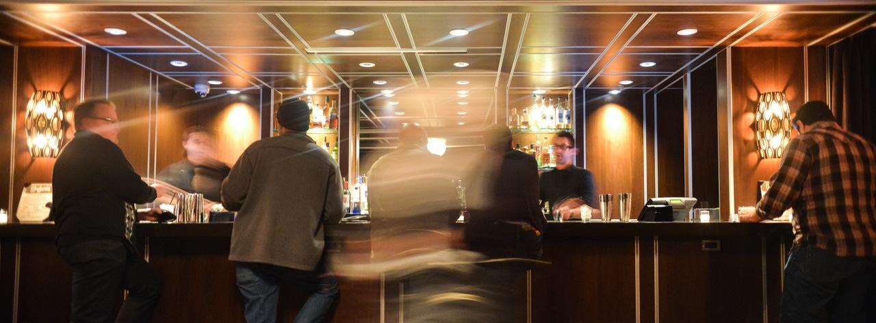 hotel-bar-work