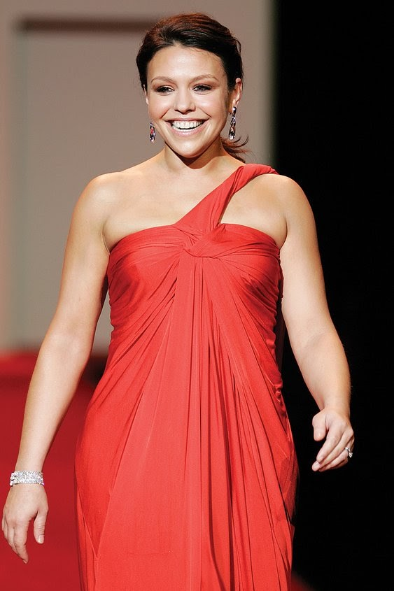File:Rachael Ray, Red Dress Collection 2007.jpg - Wikimedia Commons